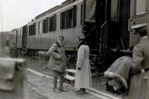 Erzherzog Karl war von Juni 1916 an, Oberkommandierender eines Teilabschnittes der Ostfront und befehligte mehrere Armeen zwischen Brody und den Karpaten. Im Rahmen dieses Kommandos inspizierte Erzherzog Karl seine ihm zugeordneten Einheiten.