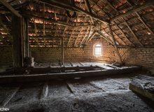 Характерен покрив на една от къщите строена от българин